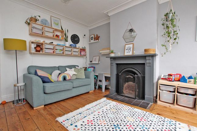 Family Room of Woodborough Road, Mapperley, Nottingham NG3