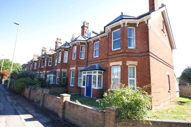 Thumbnail Maisonette to rent in Farnborough Road, Farnborough, Hampshire