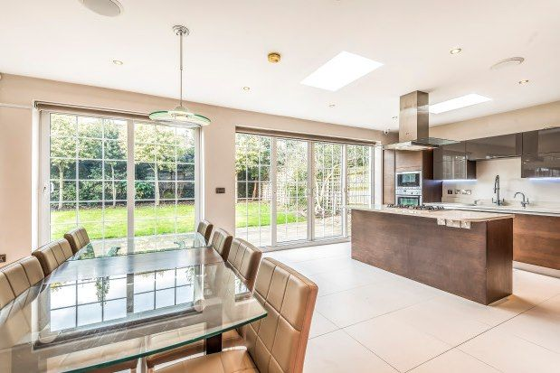 Thumbnail Property to rent in Hermitage Close, London