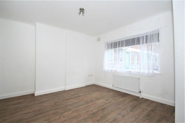 Thumbnail Flat to rent in Denison Close, London