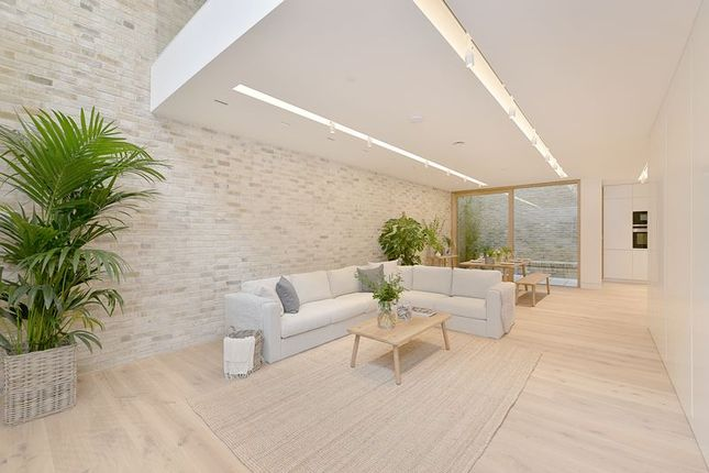 Thumbnail Mews house to rent in Bingham Place, Marylebone, London