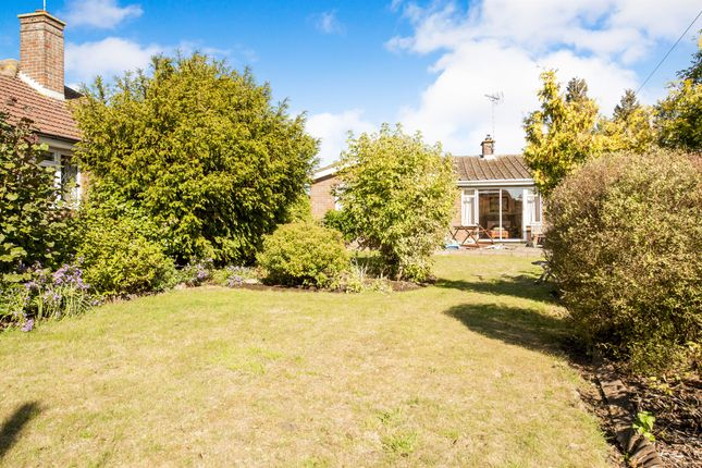 Thumbnail Detached bungalow for sale in Eythrope Road, Stone, Aylesbury