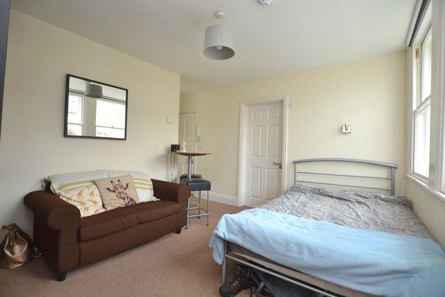 Thumbnail Flat to rent in Charlton Buildings, Bath