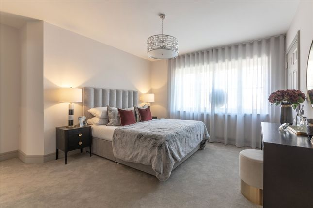 Thumbnail Flat for sale in Larks Hill Green, Off Sopwith Road, Warfield, Berkshire