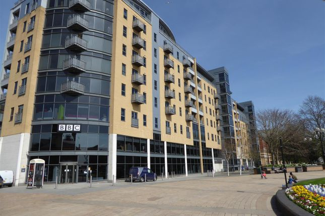 Thumbnail Flat for sale in Queens Court, Queens Dock Avenue, Hull