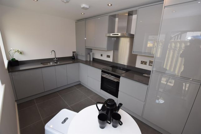 Thumbnail Property for sale in 5 Osborne Court, Victoria Road, Hythe