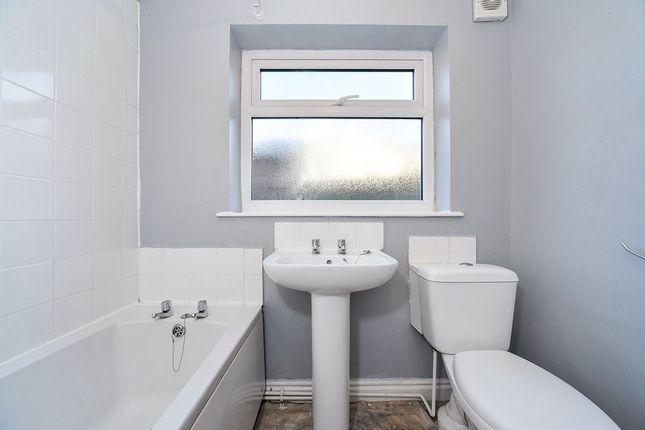 House Bathroom of Wilton Avenue, Holland Street, Hull, East Yorkshire HU9