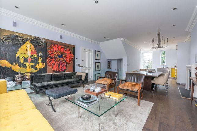 Thumbnail Maisonette for sale in Ground And Lower Ground Floor, Mildmay Road, Islington