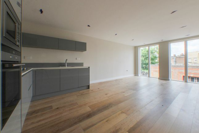 Living of Bedford Road, London SW4