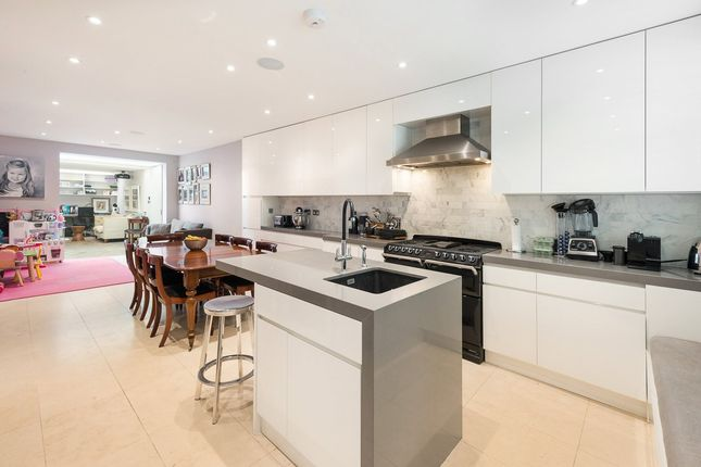 4 bed terraced house for sale in Walton Street, Knightsbridge