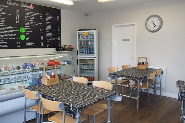 Restaurant/cafe for sale in Cafe & Sandwich Bars BD12, Low Moor, West Yorkshire