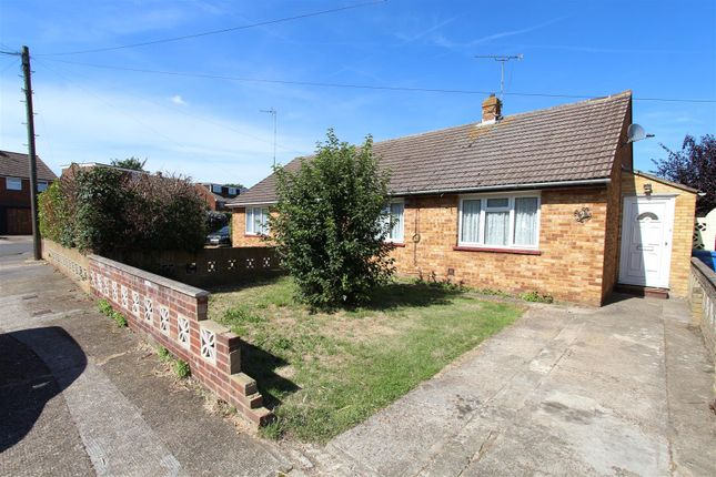 Thumbnail Bungalow to rent in Roberts Close, Sittingbourne