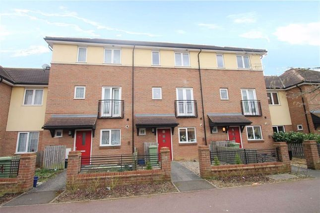 Thumbnail Town house to rent in Oakworth Avenue, Broughton, Milton Keynes, Bucks