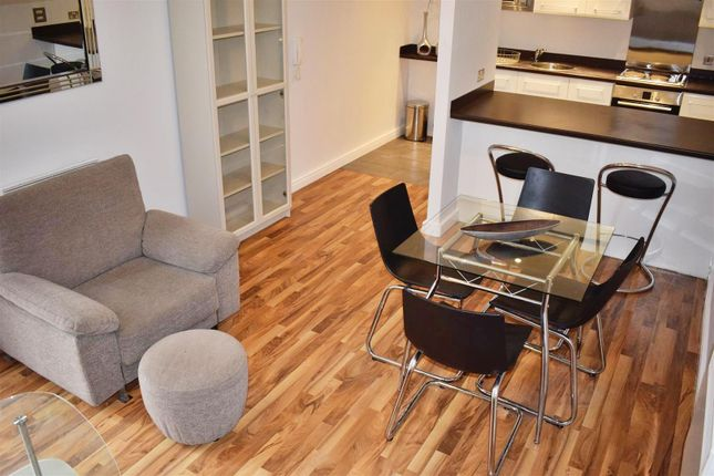 Thumbnail Flat for sale in The Quadrangle, Lower Ormond Street, Manchester