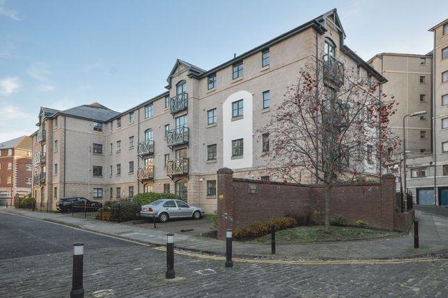 Thumbnail Flat for sale in 23/7 Silvermills, Stockbridge, Edinburgh