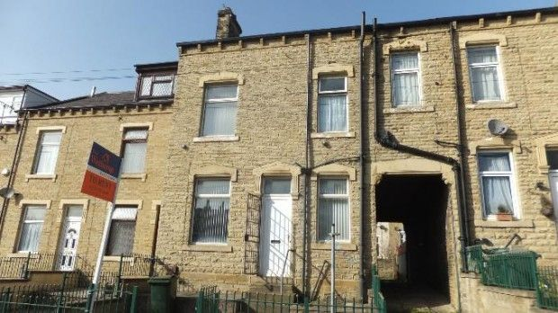 Thumbnail Terraced house to rent in Barkerend Road, Bradford