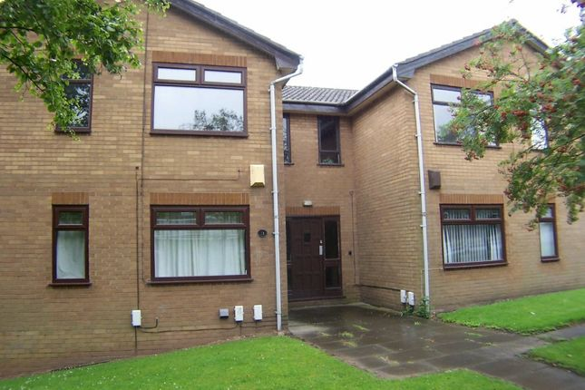Thumbnail Flat to rent in Firwood Park, Oldham