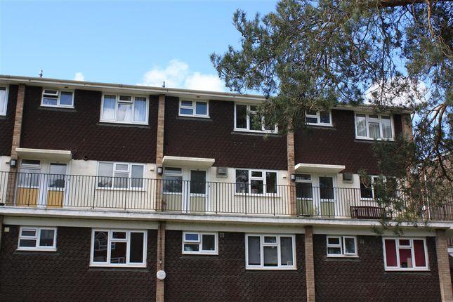 Thumbnail Maisonette to rent in Lamerton Close, Bordon
