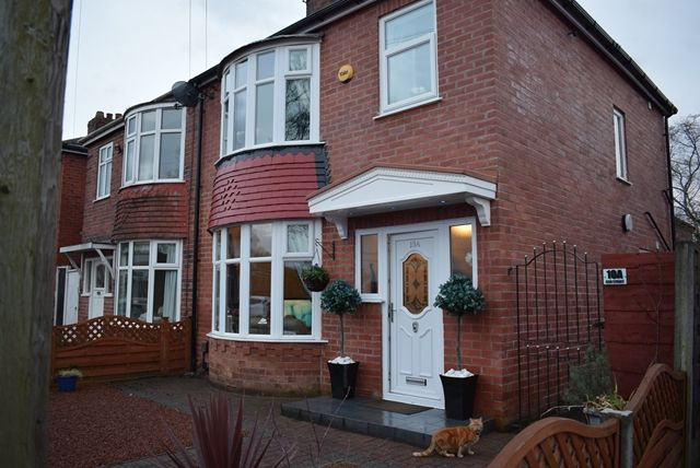 3 bed semi-detached house to rent in Ash Street, Middleton, Manchester