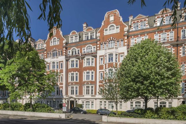 Thumbnail Flat for sale in North Gate, London