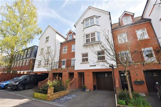 Thumbnail Terraced house for sale in St. Peters Street, Colchester