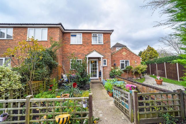 Thumbnail Terraced house for sale in Sampson Court, Linden Way, Shepperton