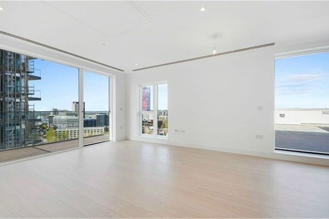 Thumbnail Flat to rent in 45 Cherry Orchard Road, East Croydon, Surrey