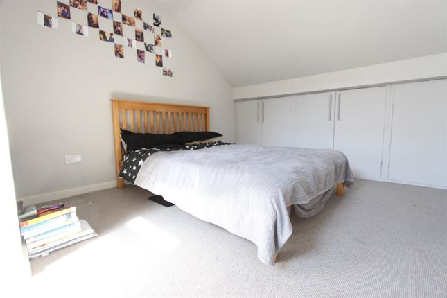 Thumbnail End terrace house to rent in Sharrow Vale Road, Sheffield