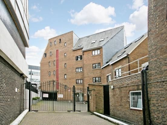 Thumbnail Terraced house to rent in Hulme Place, London
