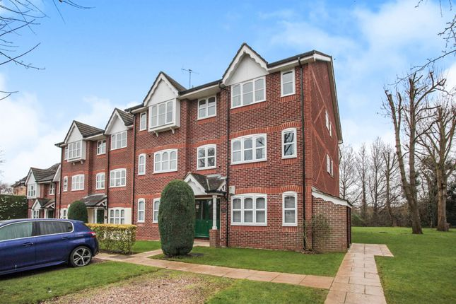 Thumbnail Flat for sale in Foxlands Close, Leavesden, Watford