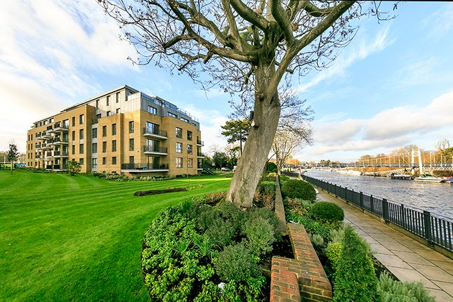 Thumbnail Flat to rent in Teddington Riverside, 2 Pinewood Gardens, Teddington