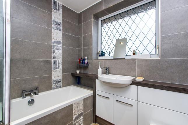 Bathroom of Cordwell Close, Castle Donington, Derby, Leicestershire DE74