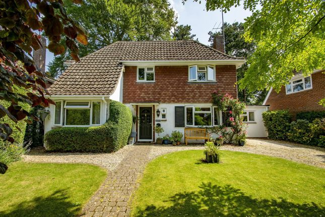 Thumbnail Detached house for sale in Holmlea Road, Goring On Thames