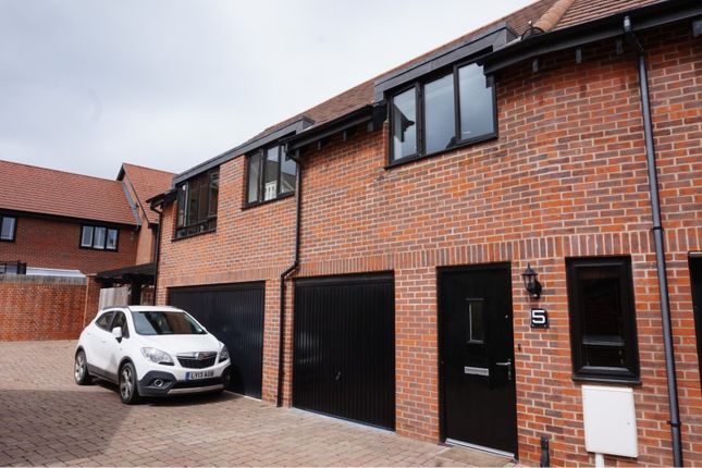 Thumbnail Property for sale in Bluegown Avenue, West Malling