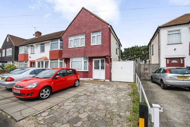 Thumbnail Property for sale in Ruthven Avenue, Waltham Cross