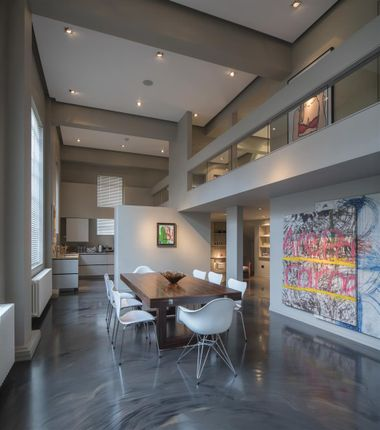 Flat for sale in Hall Road, London