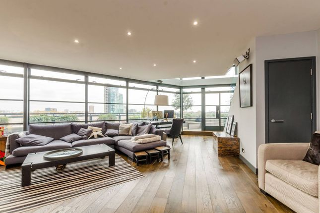Thumbnail Flat to rent in Exchange Building, Spitalfields, London