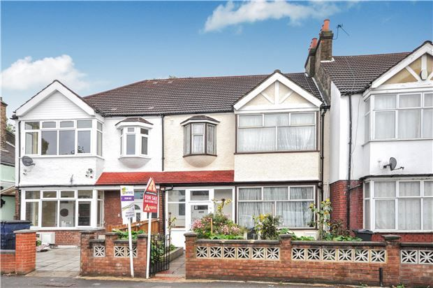 Thumbnail Terraced house for sale in Estreham Road, London