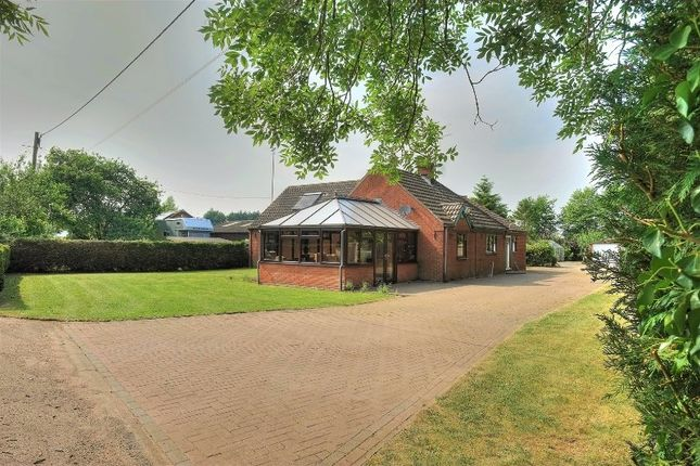 Thumbnail Detached bungalow for sale in Vicarage Road, Wymondham