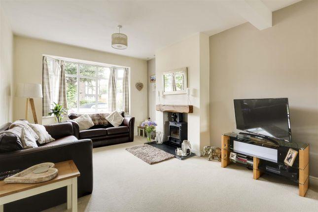 21465 of Worcester Road, Woodthorpe, Nottinghamshire NG5