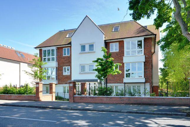 2 bed flat to rent in Metropolitan House, Pembroke Road, Ruislip