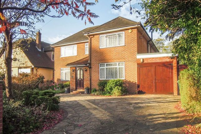 Thumbnail Detached house for sale in Sutton Avenue, Langley, Slough