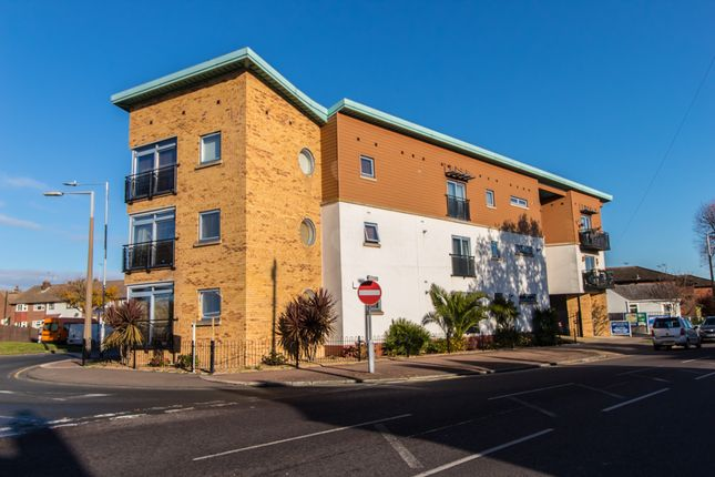 Thumbnail Flat for sale in Eastwood Road North, Leigh-On-Sea