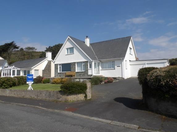 Thumbnail Bungalow for sale in Upper Morannedd, Criccieth, Gwynedd