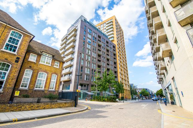 Thumbnail Flat to rent in Elmira Street, London