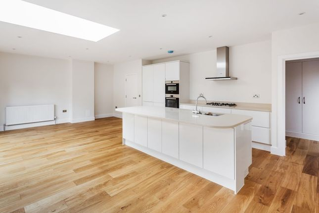 Thumbnail Detached house for sale in Beeches Avenue, Carshalton