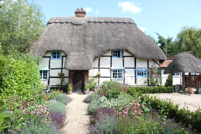 Thumbnail Cottage for sale in Lower Green, Inkpen