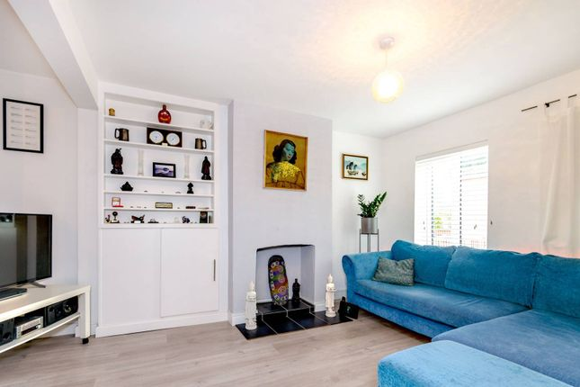 Thumbnail Bungalow to rent in The Bungalows, Stoughton, Guildford