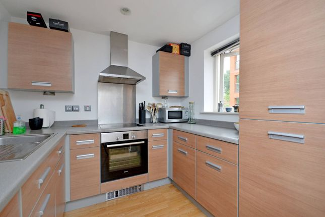 1 bed flat to rent in Matilda Gardens, Bow