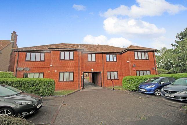 Thumbnail Flat for sale in North Road, Purfleet
